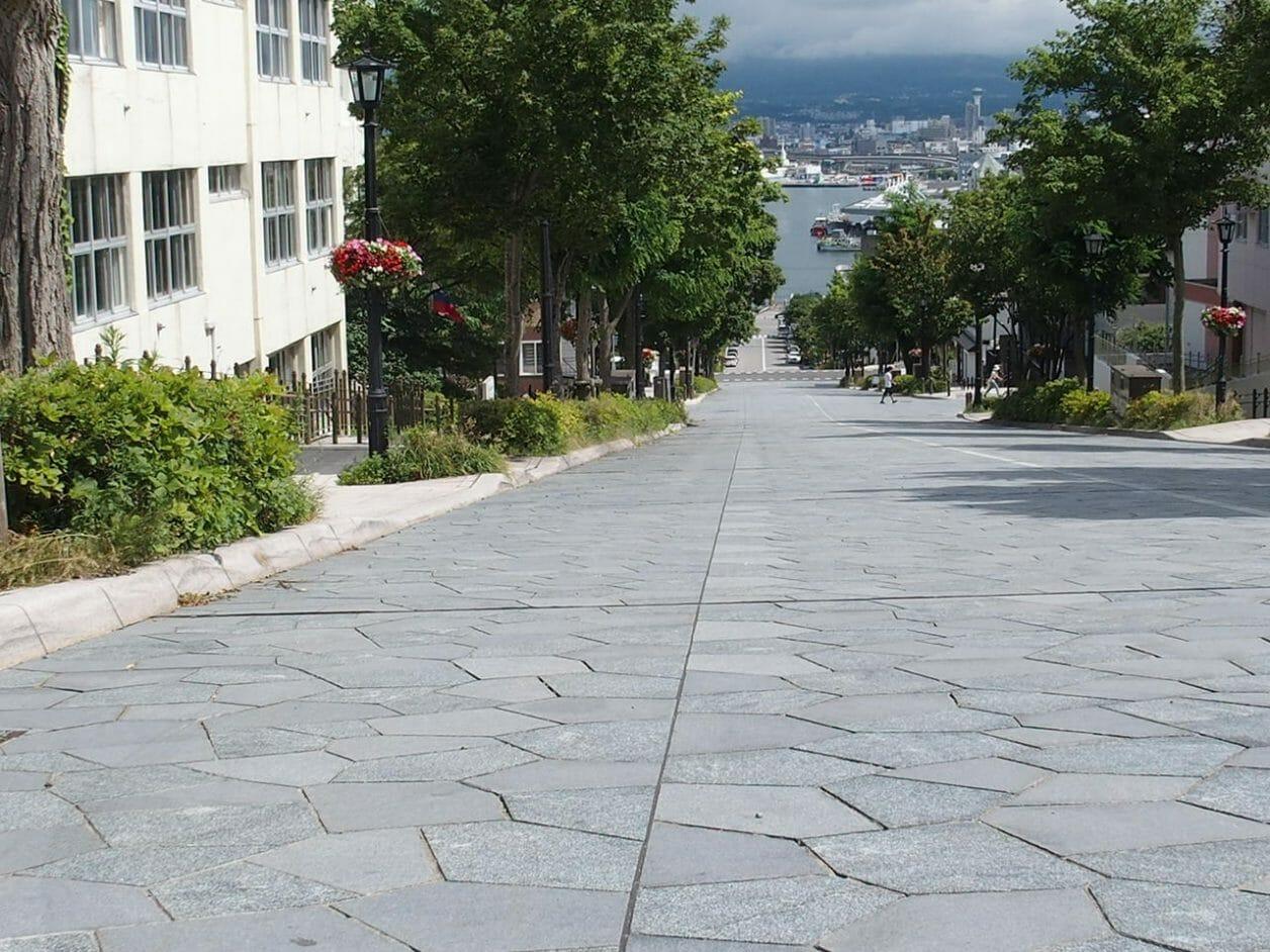 函館のチャーミーグリーンの坂