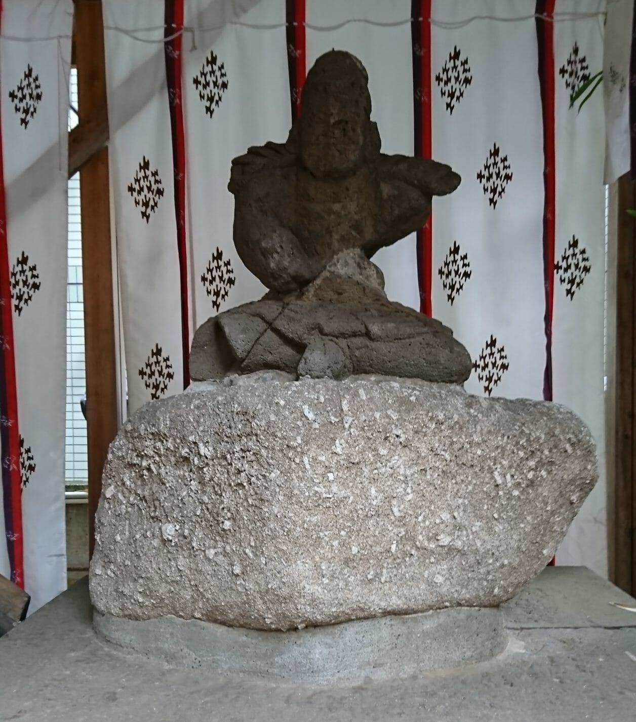 田無神社の楠木正成の像