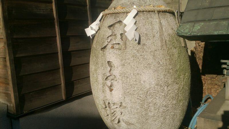 波除神社の玉子塚
