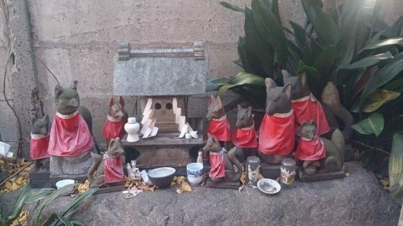 波除神社のおきつね塚