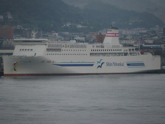 ダイヤモンドプリンセスで小樽港に入港