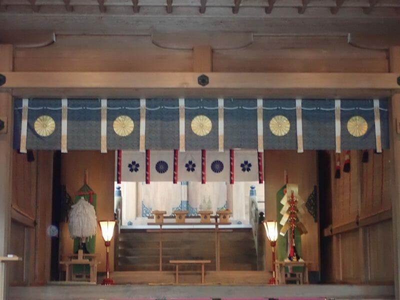 大宰府で縁結びのご利益で有名な竈門神社