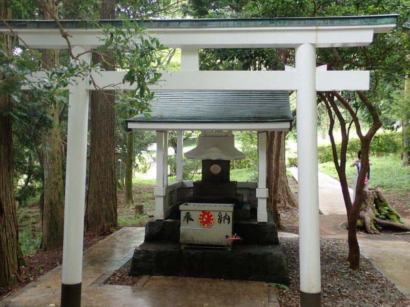 芦ノ湖湖畔の白龍神社