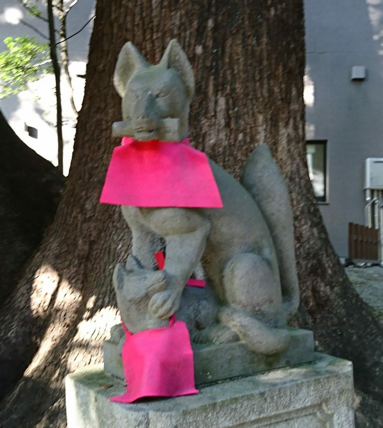 熱海来宮神社の境内にある来宮稲荷社のお狐様