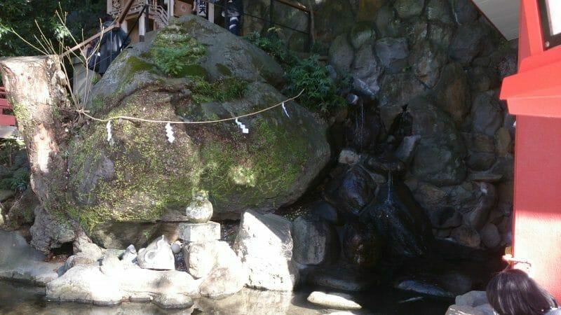 熱海来宮神社の弁天池