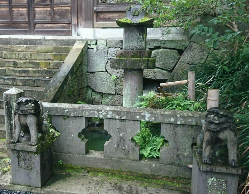 長崎諏訪神社の水上安全と水泳上達の蛭子社(ひるこしゃ)