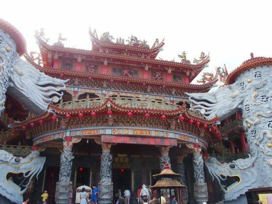 花蓮最大の寺院港天宮