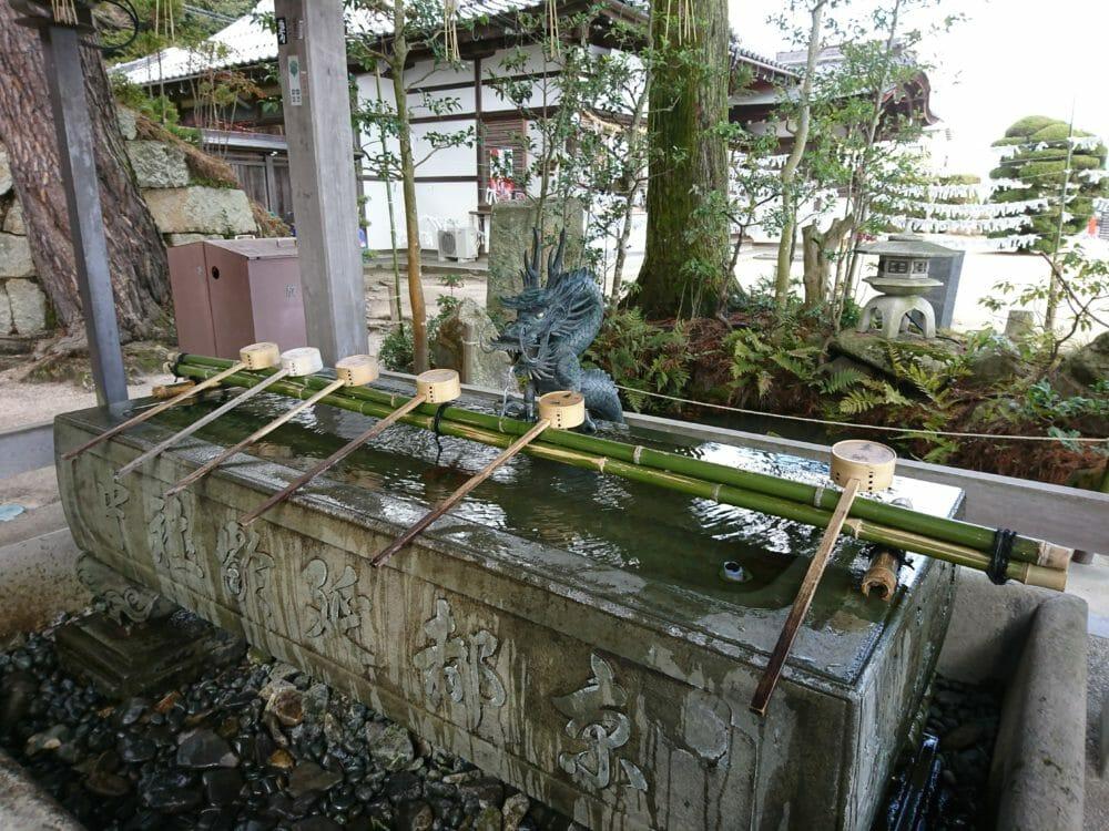 白鬚神社の手水舎