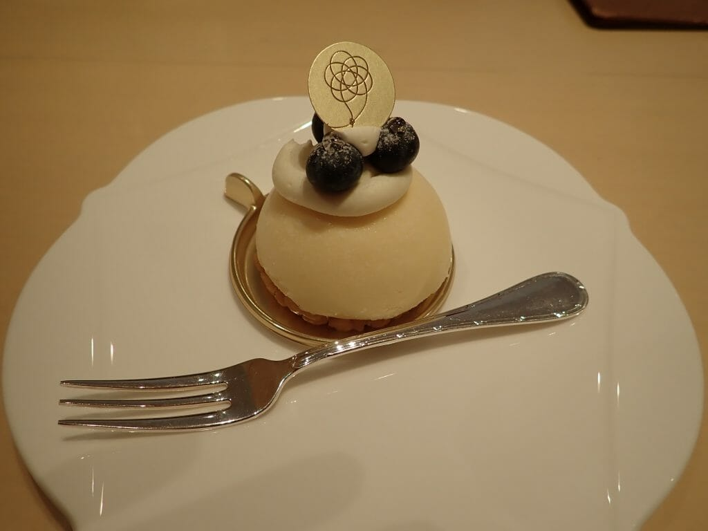 川越氷川神社のむすびcafeで注文したチーズケーキ