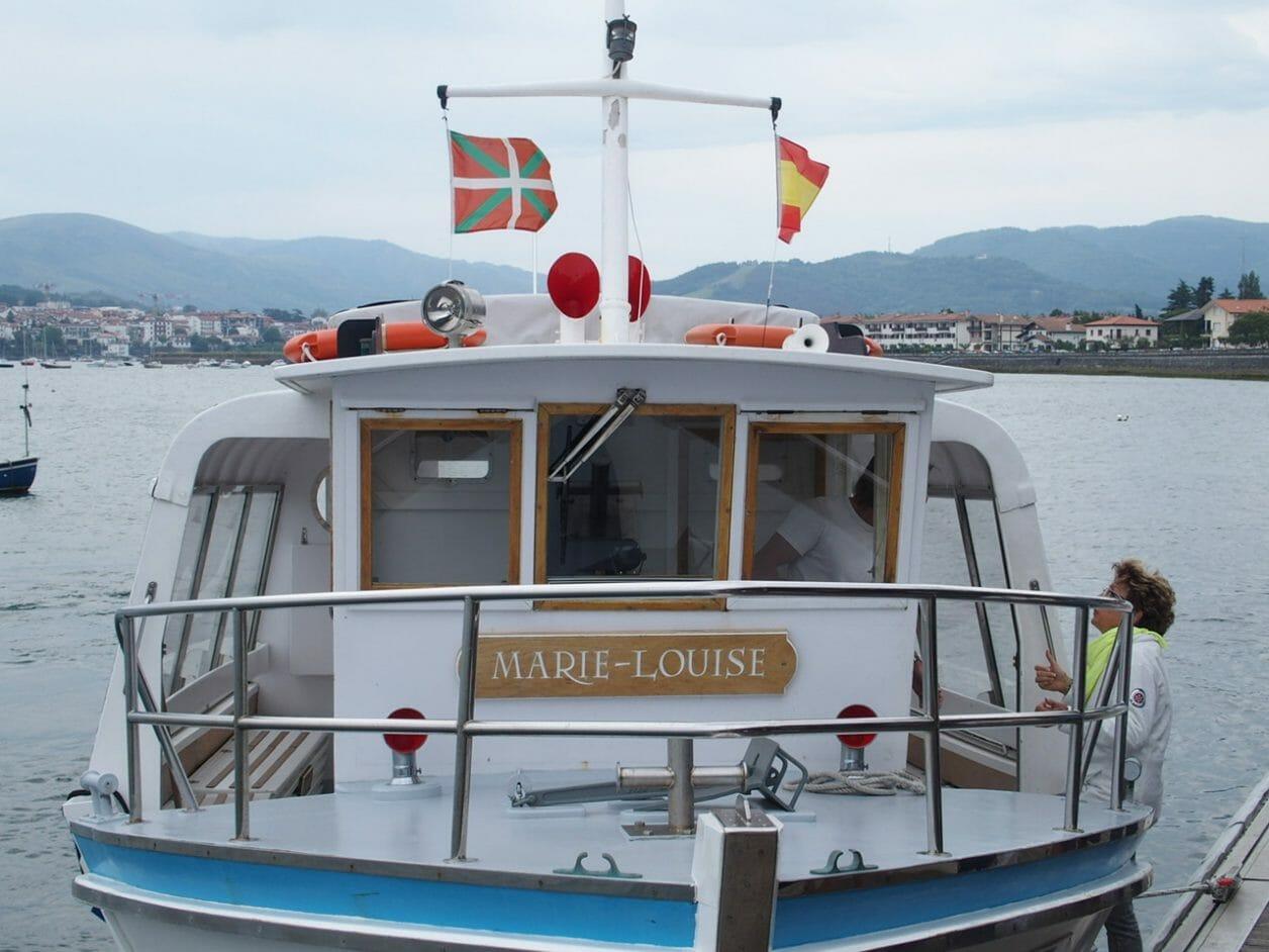 バスクオンダリビアからフランスへ渡る船
