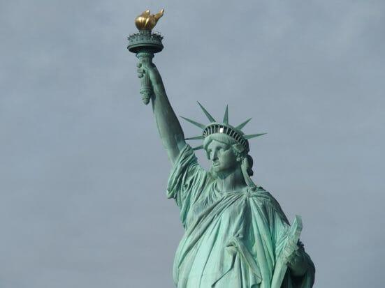 ニューヨークの観光で自由の女神は絶対に外せないです
