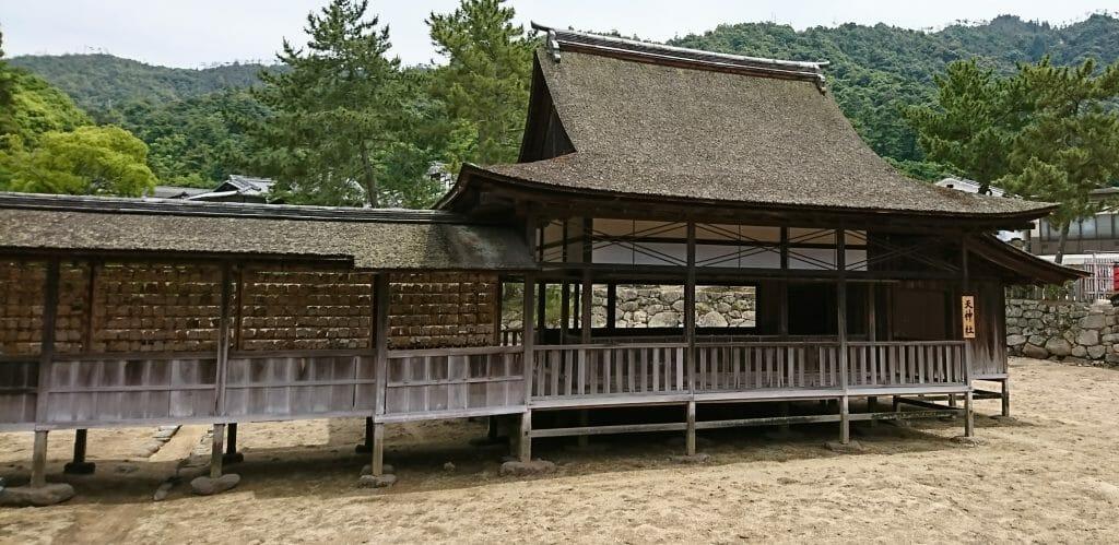 広島県宮島の世界遺産厳島神社で学業成就のご利益がある天神社