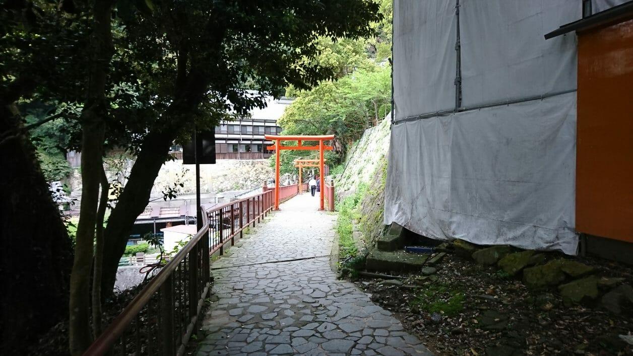 竹生島の参道