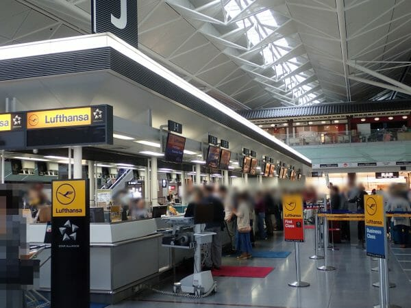 中部国際空港セントレアのルフトハンザビジネスカウンター