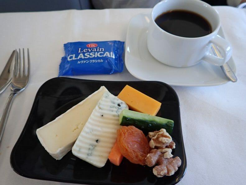 日本発ルフトハンザビジネスクラスのチーズ