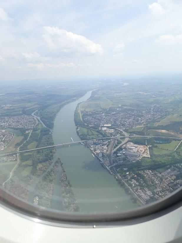 ルフトハンザ航空の中から見えたドイツのライン川