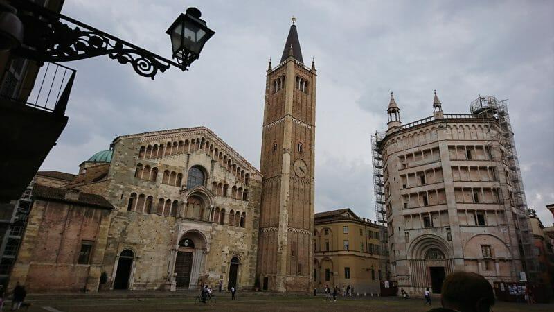 パルマの大聖堂と洗礼堂と鐘楼