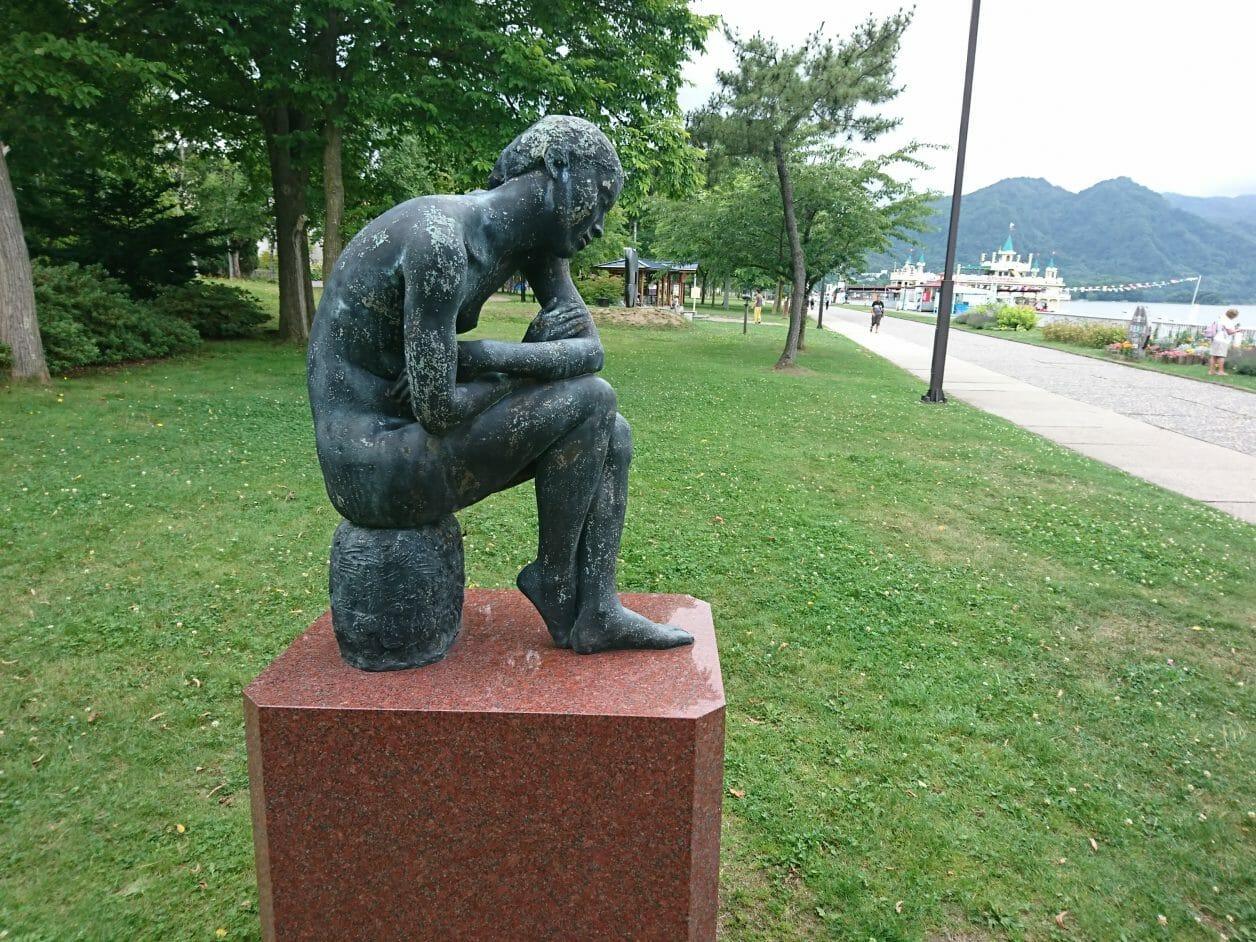洞爺湖畔の銅像