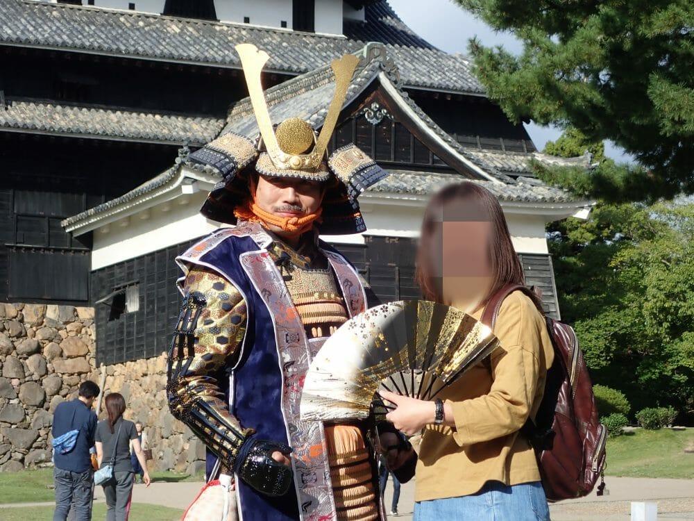 松江城で松江若武者隊と一緒に撮影