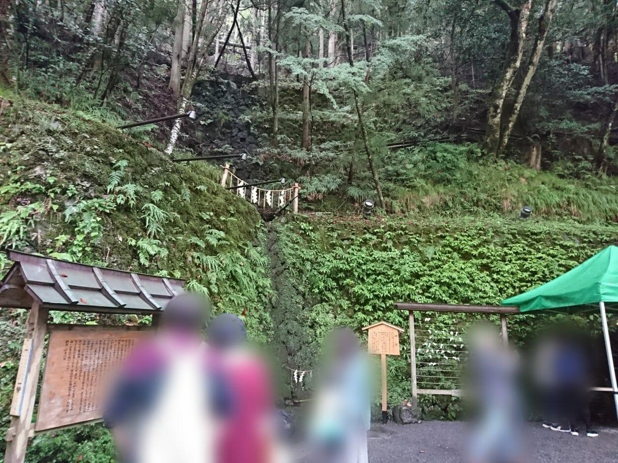 貴船神社の境内