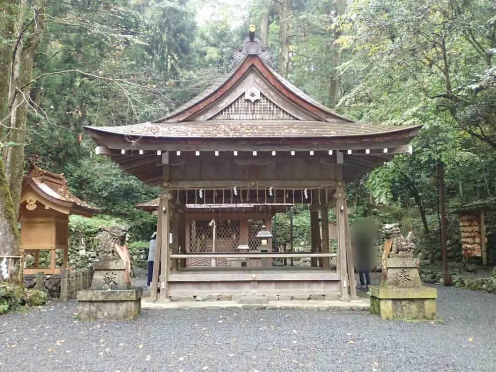 貴船神社の奥宮の拝殿