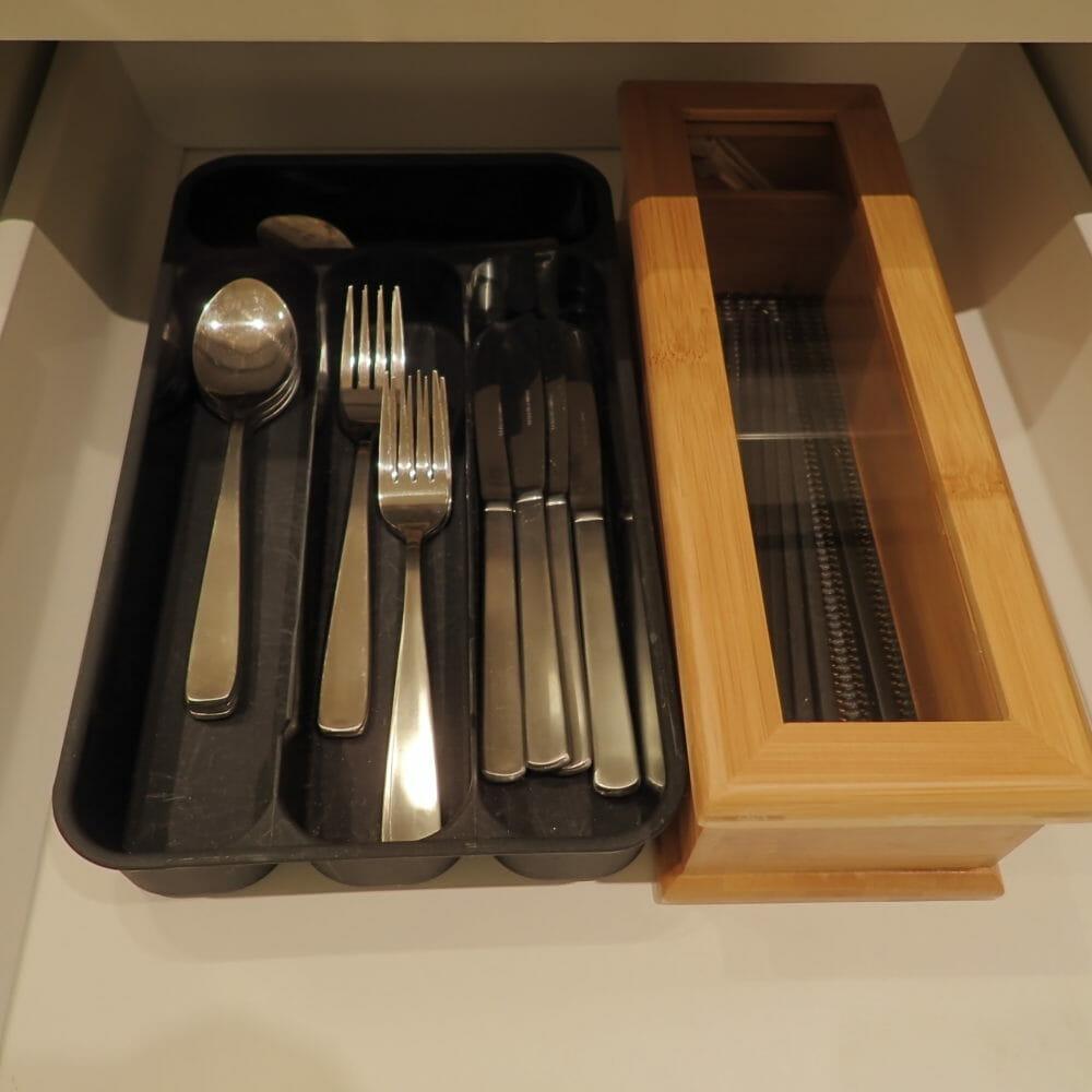 ポイントバケーション近江びわ湖のキッチン・使用できるお箸・ナイフ・フォーク